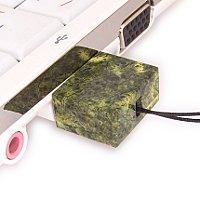 USB флешка из камня змеевик: в ноутбуке