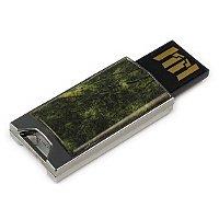 Флешка в металлическом корпусе со змеевиком (офитом): USB разъем выдвинут