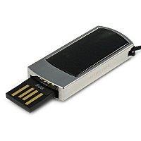 Подарочная флешка с черным змеевиком: USB разъем выдвинут