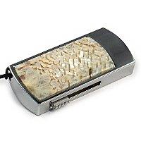 Флешка в металлическом корпусе с камнем беломорит: надежный фиксатор