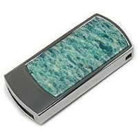 USB флэшка с амазонитом: общий вид