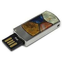 USB диск с мозаикой: разъем выдвинут